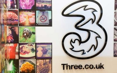 Three apologises after network problems
